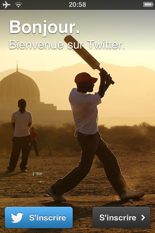 Bug in the user interface of Twitter: To register or ... to register?